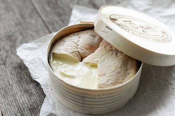 Vacherin Mont-d'Or caliente