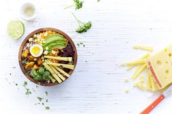 """Power Bowl"" con Emmentaler AOP"